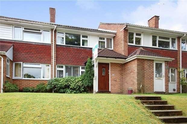 3 Bedrooms Terraced House for sale in Farnham, Surrey