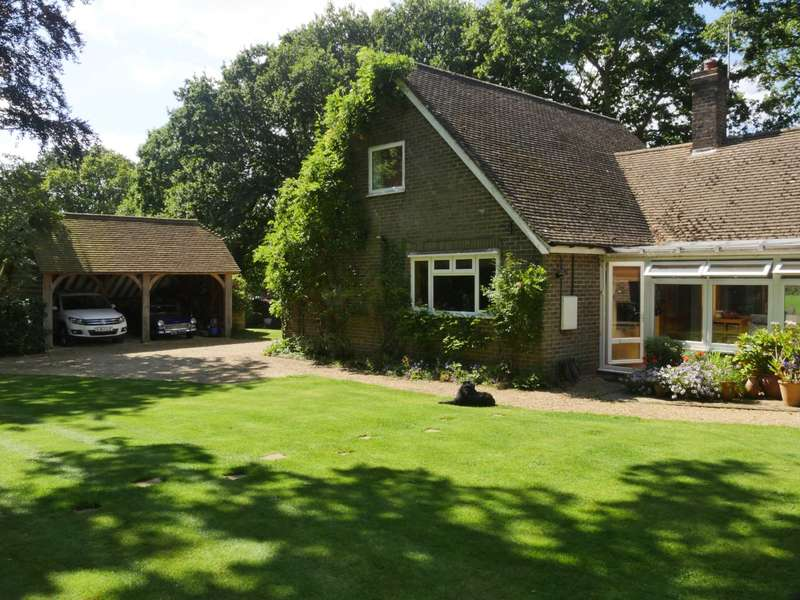 4 Bedrooms Detached House for sale in Muddles Green, Chiddingly