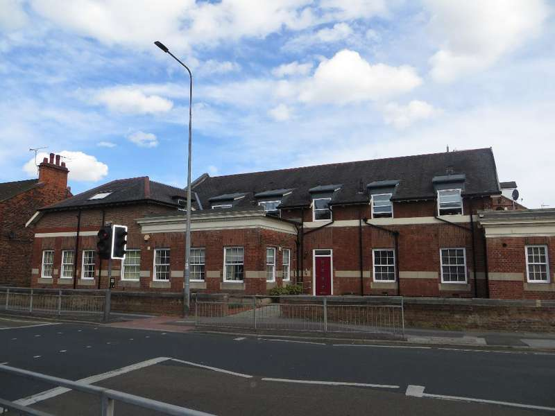 2 Bedrooms Apartment Flat for sale in Chanterlands Avenue, Hull, East Yorkshire, HU5 3TT