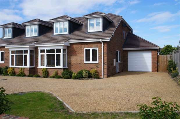 4 Bedrooms Semi Detached House for sale in Silver Street, Great Barford