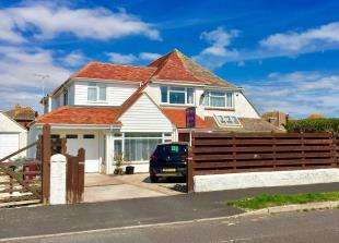 4 Bedrooms Semi Detached House for sale in Clayton Road, Selsey, Chichester, West Sussex
