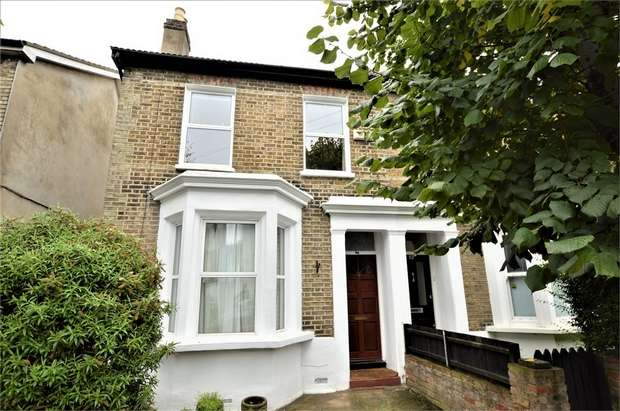 3 Bedrooms Semi Detached House for sale in Davidson Road, Croydon