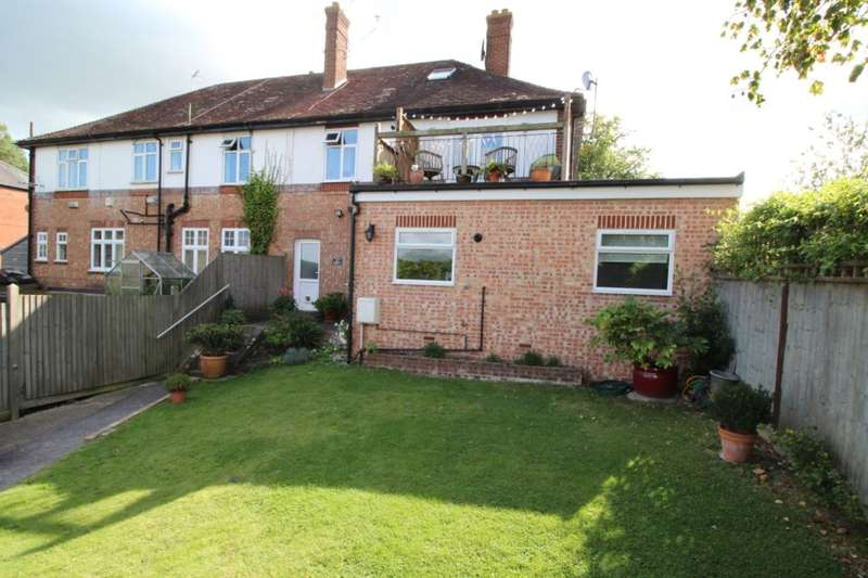 2 Bedrooms Flat for sale in Hastings Road, Pembury, Tunbridge Wells, TN2