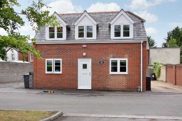 2 Bedrooms Detached House for sale in Levell Court, Ludgershall