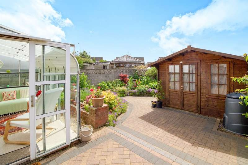 3 Bedrooms Semi Detached Bungalow for sale in Heol Fawr, North Cornelly, Bridgend