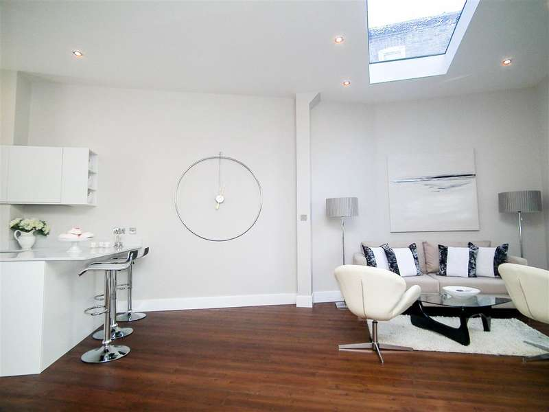 5 Bedrooms Terraced House for sale in Tremlett Grove, London