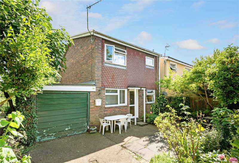 3 Bedrooms Detached House for sale in Maple Road, Redhill, Surrey, RH1
