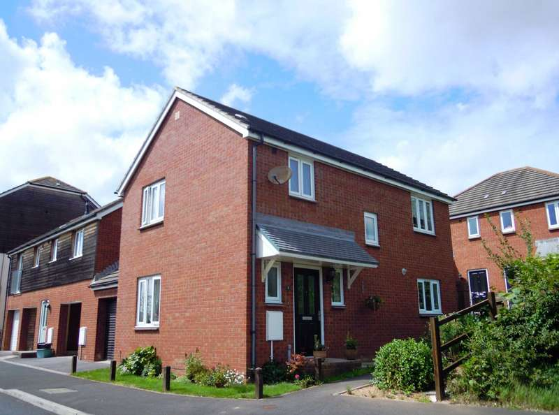 3 Bedrooms Link Detached House for sale in River Close, Kingsteignton