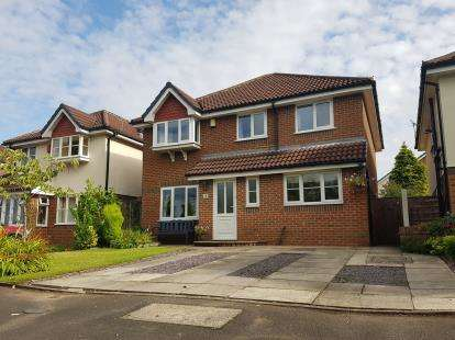 4 Bedrooms Detached House for sale in Yeoford Drive, Altrincham, Greater Manchester