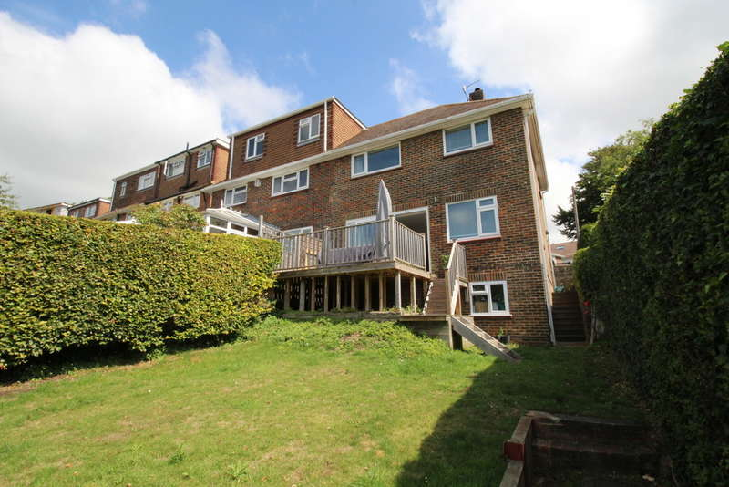 3 Bedrooms Semi Detached House for sale in Copse Hill, Brighton