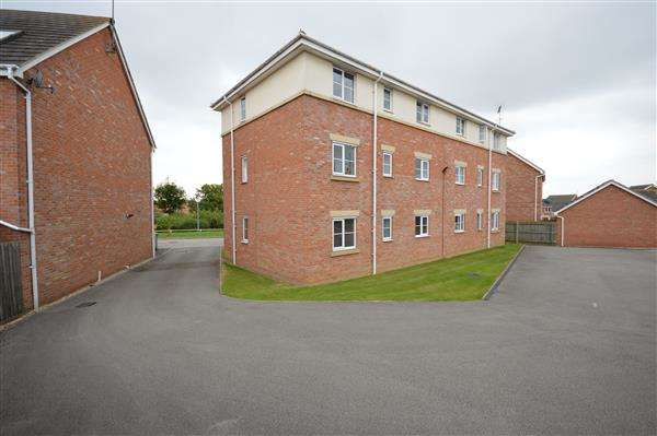 2 Bedrooms Apartment Flat for sale in FONTWELL CRESCENT, CORBY