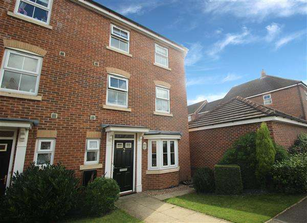 3 Bedrooms Town House for sale in Ebberton Close, Hemsworth
