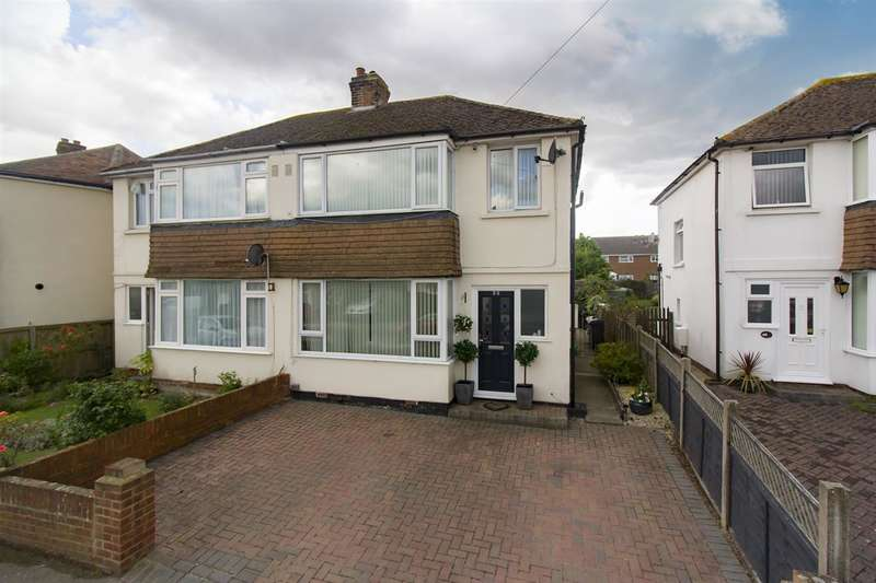 3 Bedrooms Semi Detached House for sale in Poulders Gardens, Sandwich