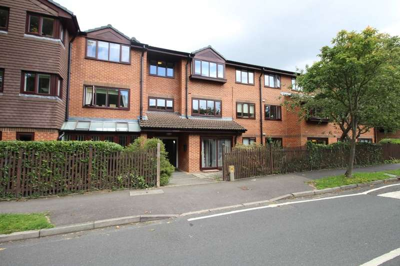 1 Bedroom Flat for sale in Wordsworth Drive, Cheam, Sutton, SM3