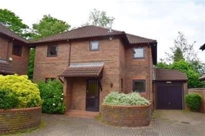 5 Bedrooms Detached House for sale in All Saints Mews, Harrow Weald