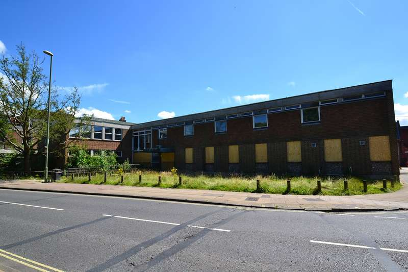 Office Commercial for rent in Friarsgate Medical Centre, Friarsgate, Winchester, SO23 8EF
