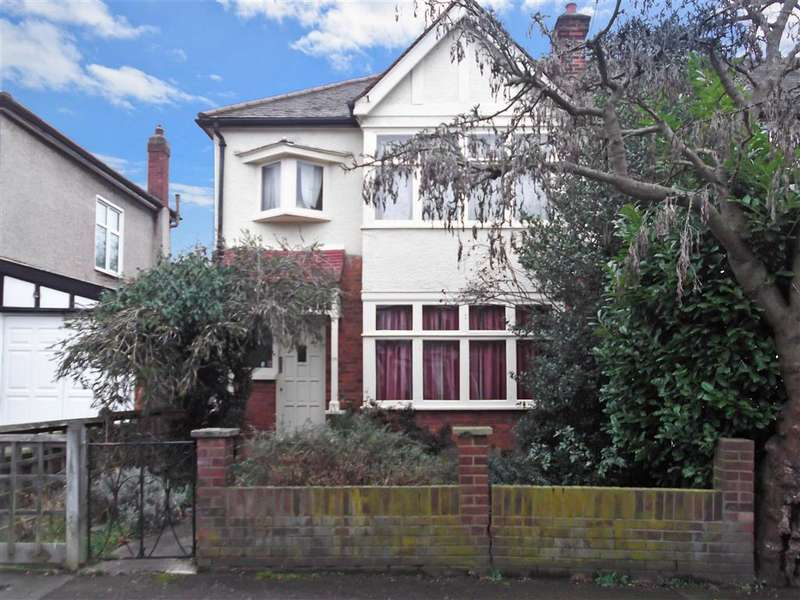 3 Bedrooms End Of Terrace House for sale in Kimberley Road, Chingford, London