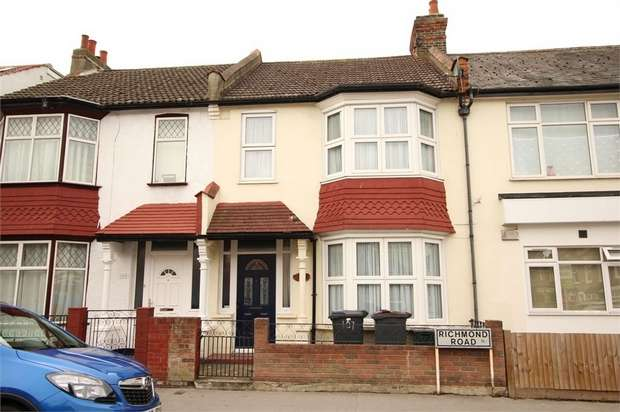 3 Bedrooms Terraced House for sale in Richmond Road, Thornton Heath, Surrey
