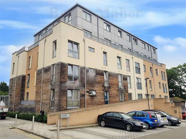 2 Bedrooms Flat for sale in Jupiter Court, Edgware