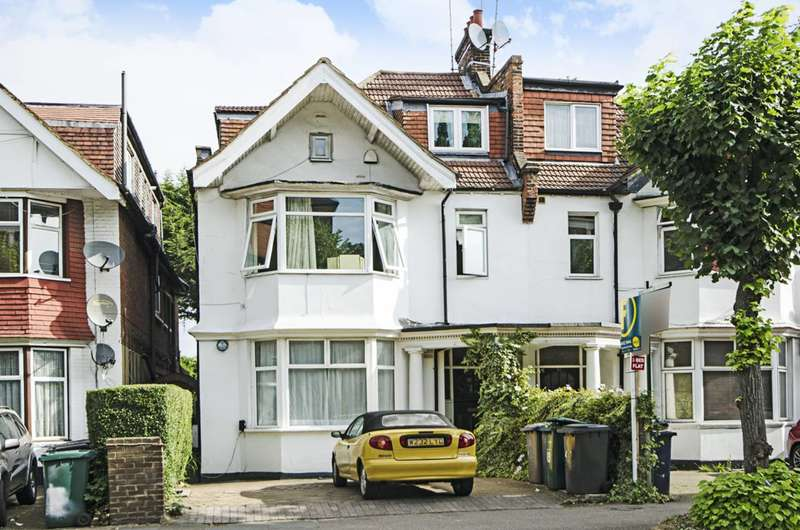 3 Bedrooms Flat for sale in North End Road, Golders Green, NW11