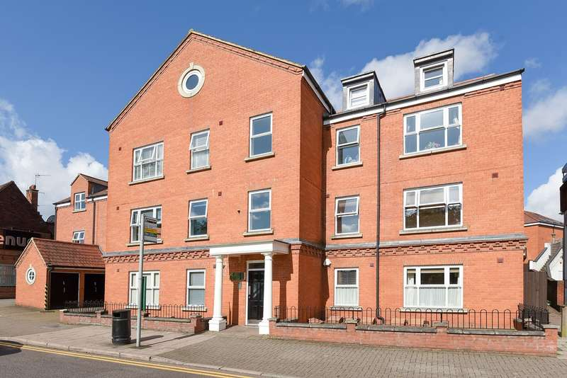 2 Bedrooms Flat for sale in Bancroft, Hitchin, SG5