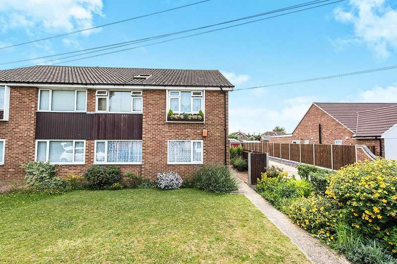 2 Bedrooms Flat for sale in Hughes Road, Ashford, TW15