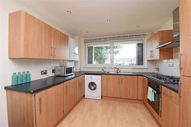 2 Bedrooms Apartment Flat for sale in Bell Drive, Southfields, Southfields