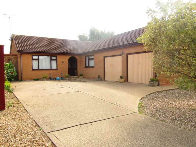 3 Bedrooms Bungalow for sale in Bowker Way, Whittlesey, PE7