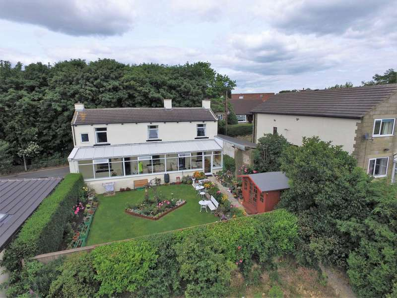 3 Bedrooms Detached House for sale in Toftshaw Lane, East Bierley