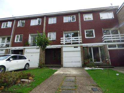 3 Bedrooms Terraced House for sale in Margeholes, Watford, Hertfordshire