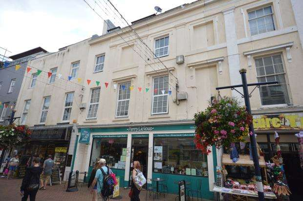 3 Bedrooms Commercial Property for sale in Bank Street, Teignmouth, Devon