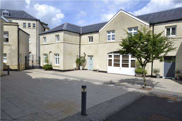 2 Bedrooms Terraced House for sale in Gainsborough Mews, Bristol, BS10 6TB