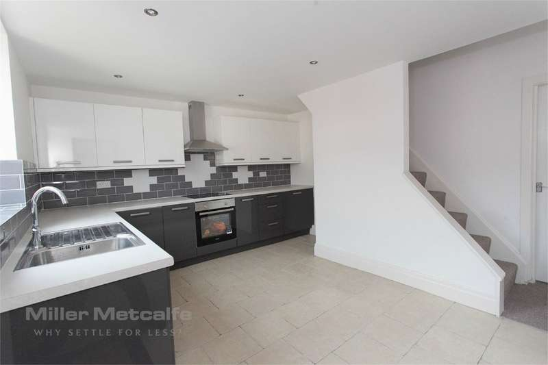 2 Bedrooms Terraced House for sale in Grosvenor Street, Little Lever, BOLTON, BL3