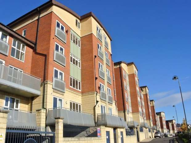 3 Bedrooms Flat for rent in High Quay, Newcastle Upon Tyne, Tyne Wear, UK