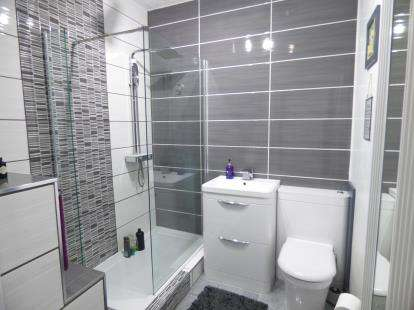 2 Bedrooms Terraced House for sale in Paulhan Street, Burnley, Lancashire