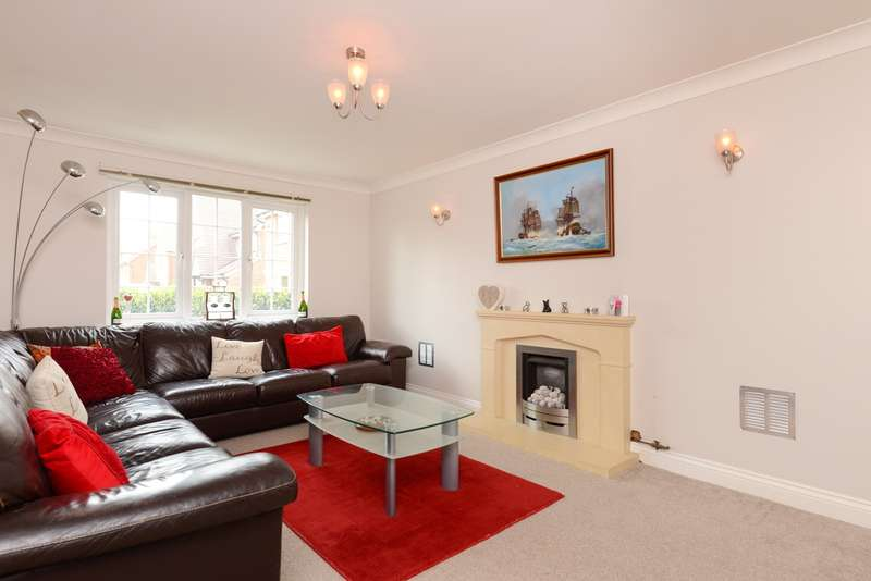 4 Bedrooms Detached House for sale in Acacia Drive, Hersden, CT3