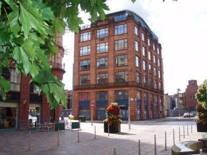 2 Bedrooms Flat for sale in Brunswick Street, Glasgow