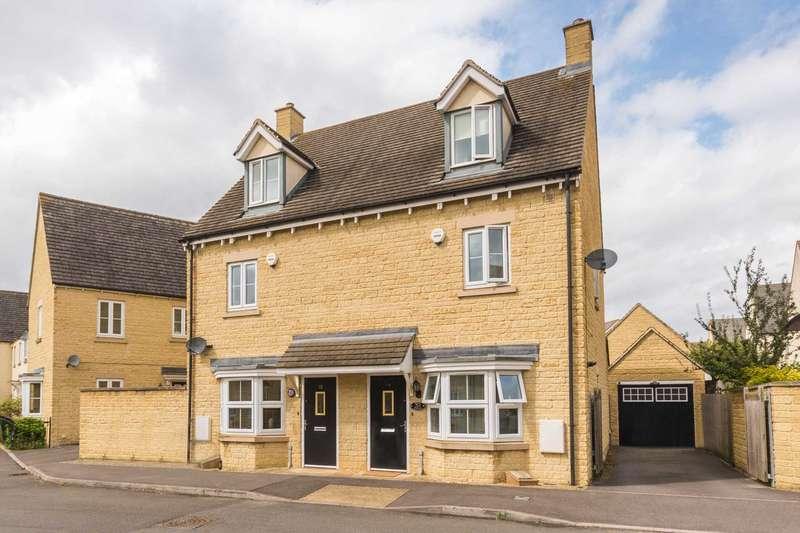 3 Bedrooms Semi Detached House for sale in Saffron Crescent, Carterton