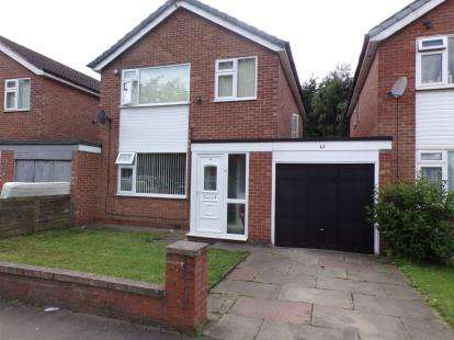 4 Bedrooms Link Detached House for sale in Warwick Court, Old Trafford, Manchester, Greater Manchester