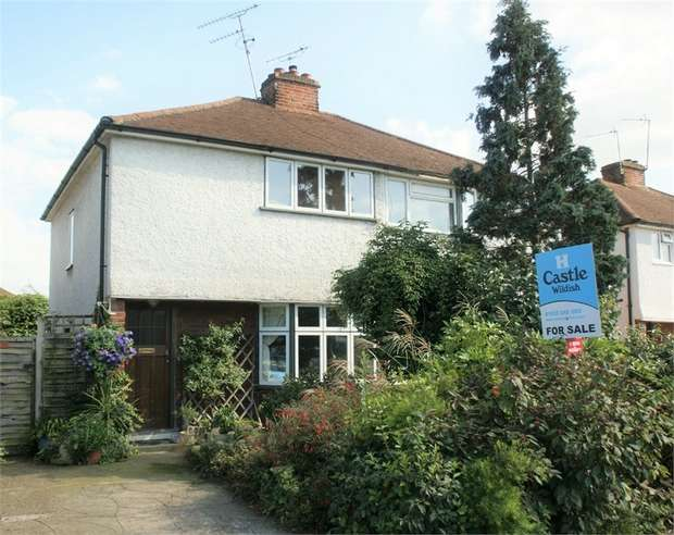 2 Bedrooms Semi Detached House for sale in Molesey Road, Hersham, WALTON-ON-THAMES, Surrey