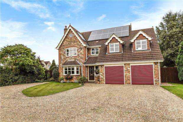 5 Bedrooms Detached House for sale in Lacewood Gardens, Reading, Berkshire
