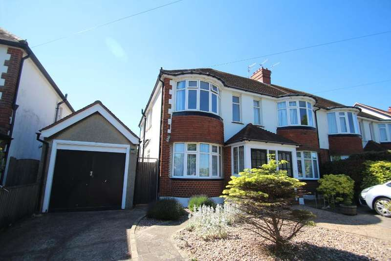 3 Bedrooms Flat for sale in Saxon Road, Hove, East Sussex, BN3 4LF