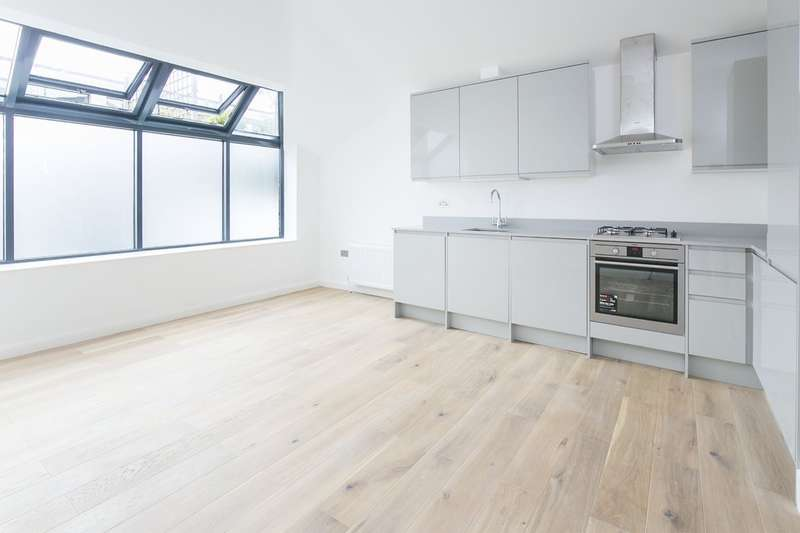 1 Bedroom Flat for sale in St Johns Hill , Battersea, London