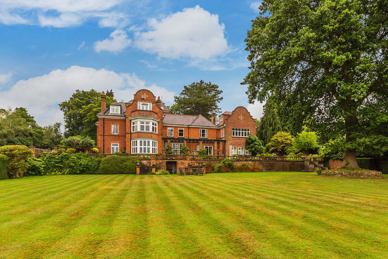 2 Bedrooms Flat for sale in Stoneswood Road, Oxted, RH8