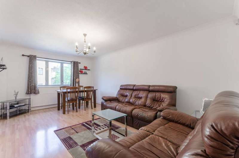 2 Bedrooms Flat for sale in Compass Point, Grenade Street, Limehouse, E14