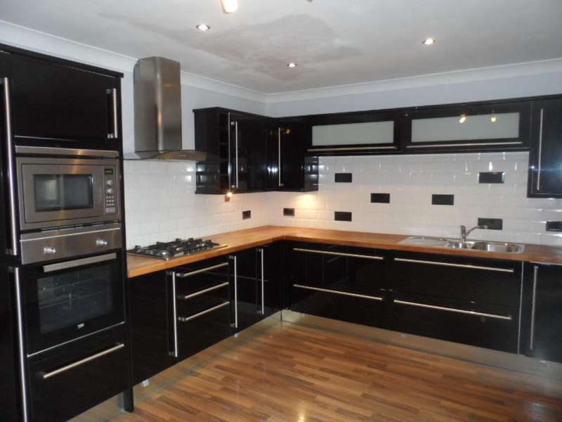 3 Bedrooms Property for sale in 20, Thornton-Cleveleys, FY5 4HE