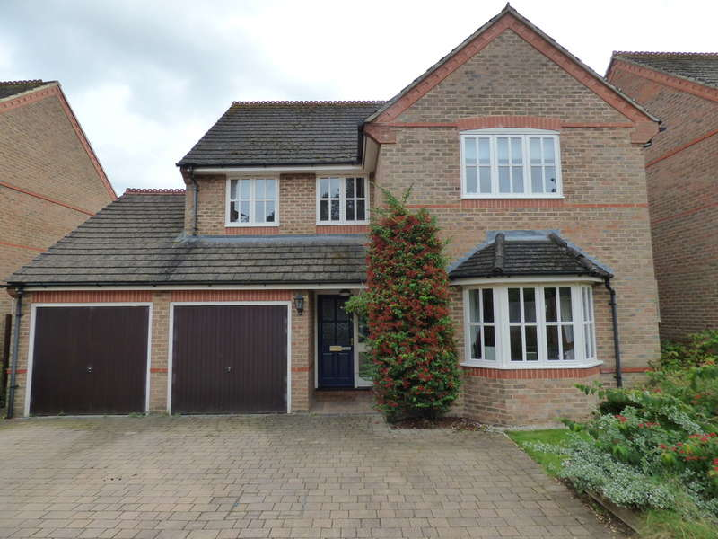 4 Bedrooms Detached House for sale in Rydes Close, Bodicote