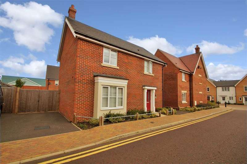 3 Bedrooms Detached House for sale in Saw Mill Road, Colchester