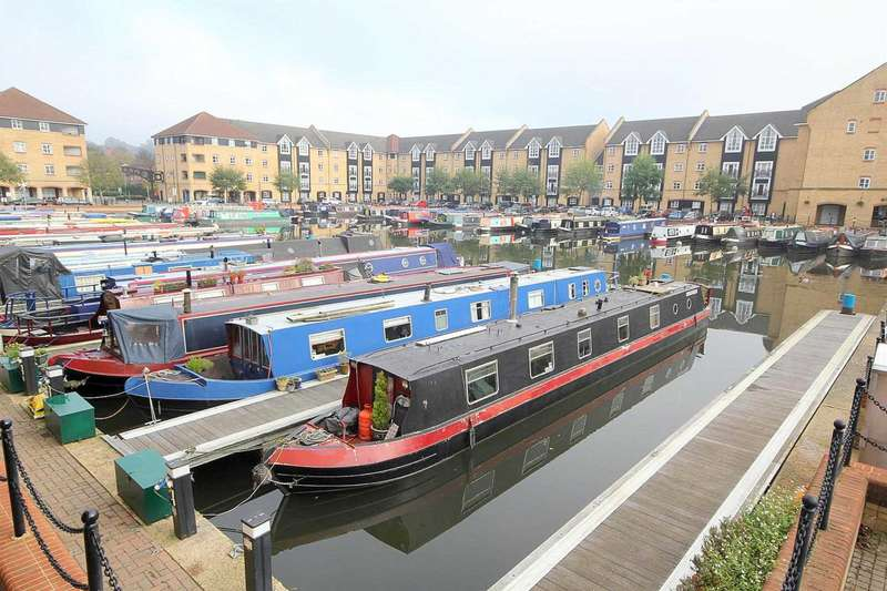 2 Bedrooms Apartment Flat for sale in 2 DOUBLE bed APARTMENT with ENSUITE to master and CLOSE to STATION in Stephenson Wharf, Apsley Lock