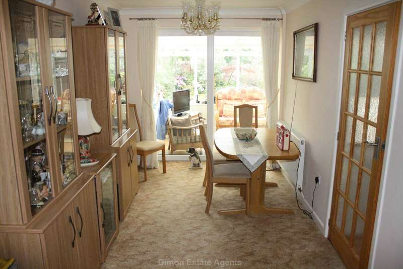 3 Bedrooms Detached House for sale in Exmouth Road, Gosport